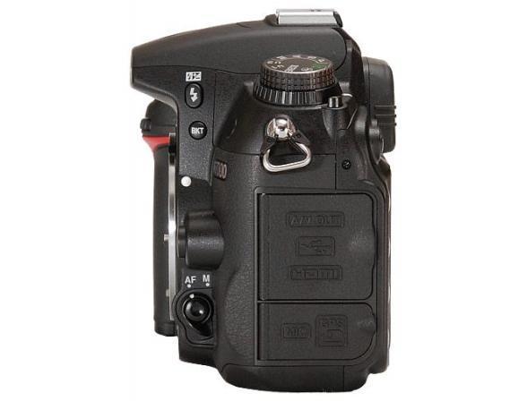 Зеркальный фотоаппарат Nikon D7000 body