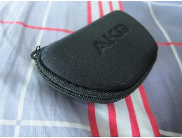 Наушники AKG K326RED