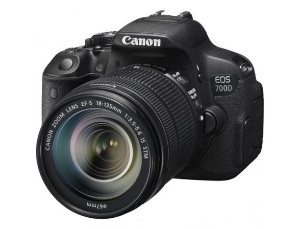 Зеркальный фотоаппарат Canon EOS 700D kit 18-135 IS STM