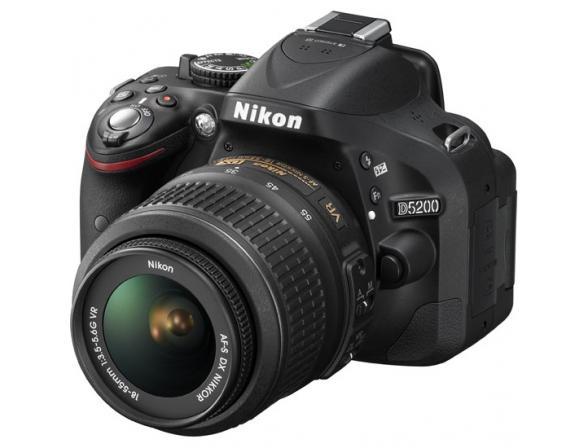 Зеркальный фотоаппарат Nikon D5200 Kit 18-55 VR