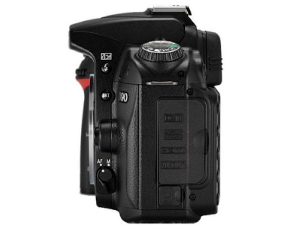 Зеркальный фотоаппарат Nikon D90 Kit 18-55 VR