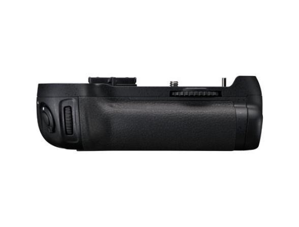 Батарейная ручка Nikon MB-D12