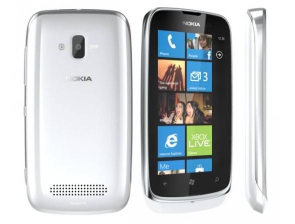 Смартфон Nokia Lumia 610 White