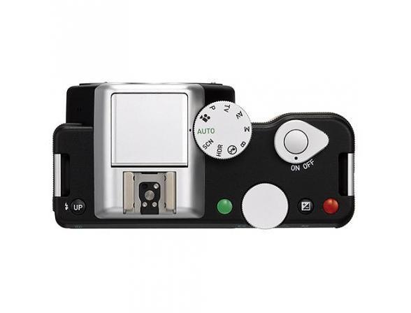 Зеркальный фотоаппарат Pentax K-01 Body