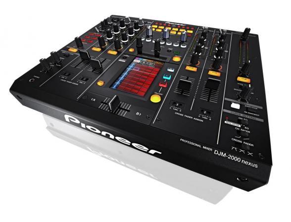DJ-контролер Pioneer DJM-2000 Nexus