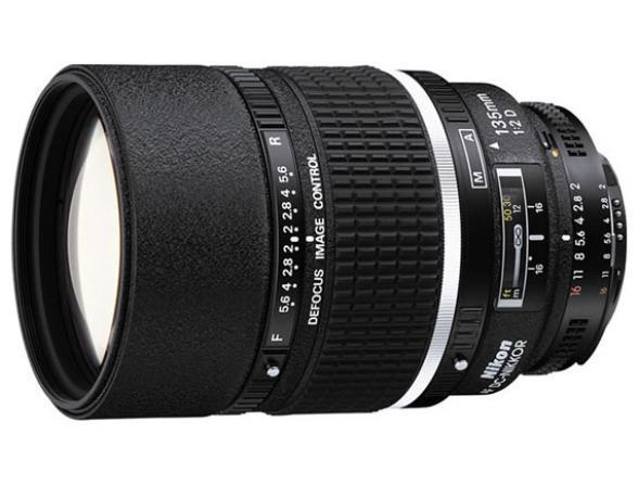 Объектив Nikon 135mm f/2D