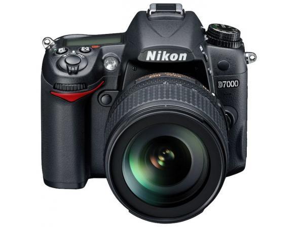 Зеркальный фотоаппарат Nikon D7000 Kit 18-105 VR