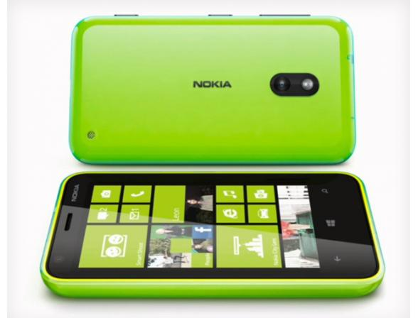 Смартфон Nokia Lumia 620 Green